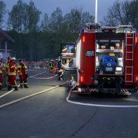 2020-04-27_Unterallgaeu_Fellheim_Brand_Industriepark_Feuerwehr_Poeppel_DSC01570