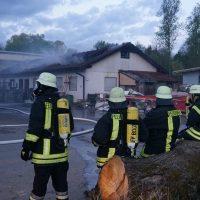 2020-04-27_Unterallgaeu_Fellheim_Brand_Industriepark_Feuerwehr_Poeppel_DSC01572