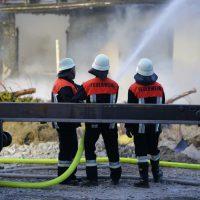 2020-04-27_Unterallgaeu_Fellheim_Brand_Industriepark_Feuerwehr_Poeppel_IMG_6620