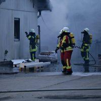 2020-04-27_Unterallgaeu_Fellheim_Brand_Industriepark_Feuerwehr_Poeppel_IMG_6623