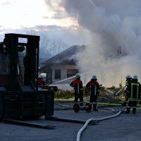 2020-04-27_Unterallgaeu_Fellheim_Brand_Industriepark_Feuerwehr_Poeppel_IMG_6625