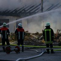 2020-04-27_Unterallgaeu_Fellheim_Brand_Industriepark_Feuerwehr_Poeppel_IMG_6627