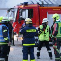 2020-04-27_Unterallgaeu_Fellheim_Brand_Industriepark_Feuerwehr_Poeppel_IMG_6633