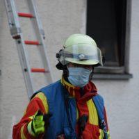 2020-05-03_Woerishofen_Unterallgaeu_Brand-Mehrfamilienhaus_Feuerwehr_Rizer_DSC_0012(2)