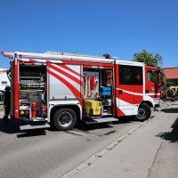 2020-05-07_Unterallgaeu_Pfaffenhausen_Unfall_Lkw_Pkw_Feuerwehr_Bringezu__EDAB29C6-5B77-43F7-9E36-F244C029498D