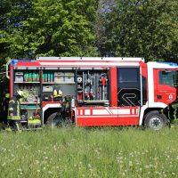 2020-05-07_guenzburg_Niederraunau_Brand_Traktor_Feuerwehr_Bringezu__21B08ADA-9A6D-458D-AD73-C561E77FFEDC