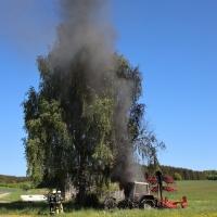 2020-05-07_guenzburg_Niederraunau_Brand_Traktor_Feuerwehr_Bringezu__946C07A2-683F-4270-B4CF-63643D4A6209