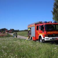 2020-05-07_guenzburg_Niederraunau_Brand_Traktor_Feuerwehr_Bringezu__D1804A9E-CF0F-4AD0-B0BF-EEB90AFC9352