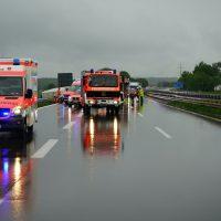 2020-05-23_A7_Memmingen_Woringen_Unfall_Serie_Feuerwehr_Polizei_Poeppel_DSC01758