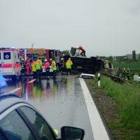 2020-05-23_A7_Memmingen_Woringen_Unfall_Serie_Feuerwehr_Polizei_Poeppel_DSC01767