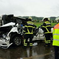 2020-05-23_A7_Memmingen_Woringen_Unfall_Serie_Feuerwehr_Polizei_Poeppel_DSC01774