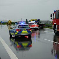 2020-05-23_A7_Memmingen_Woringen_Unfall_Serie_Feuerwehr_Polizei_Poeppel_DSC01809