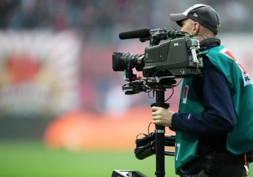 Fernsehübertragung eines Bundesliga-Spiels, über dts Nachrichtenagentur