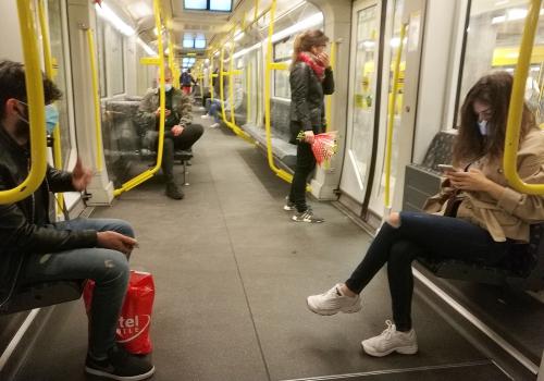 Passagiere in einer U-Bahn am 27.04.2020, über dts Nachrichtenagentur