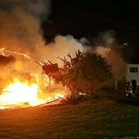 2020-06-01_Ostallgaeu_Guenzach_Brand_bauernhof_Feuerwehr_Poeppel_IMG_7003
