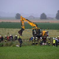 2020-07-02_Osterlauchdorf_Ostallgaeu_Unfall_Gülle-Anhaenger_Feuerwenr_Rizer_200702 Unfall Guellehaenger-1