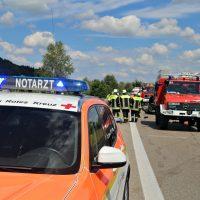 2020-07-04_A96_Erkheim_Holzguenz_Unfall_Feuerwehr_IMG_7121