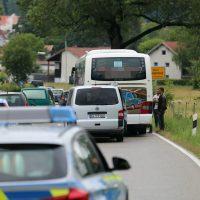 2020-07-06_Oberguenzburg_Ostallgaeu_Linienbus_Schwerverletzte_Frau_Rettunshubschrauber_Polizei_Poeppel_IMG_7146