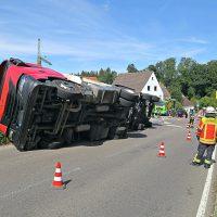 2020-07-13_B312_Edenbachen_Lkw-Unfall_Silozug_Feuerwehr_Kutter_pel_IMG_7184