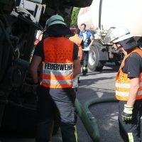2020-07-13_B312_Edenbachen_Lkw-Unfall_Silozug_Feuerwehr_Kutter_pel_IMG_7208