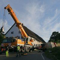 2020-07-13_B312_Edenbachen_Lkw-Unfall_Silozug_Feuerwehr_Kutter_pel_IMG_7225