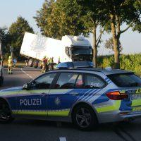 2020-07-28_Memmingen_Steinheim_Heimertingen_Lkw-Unfall_Feuerwehr_Poeppel_IMG_8174