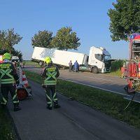 2020-07-28_Memmingen_Steinheim_Heimertingen_Lkw-Unfall_Feuerwehr_Poeppel_IMG_8190