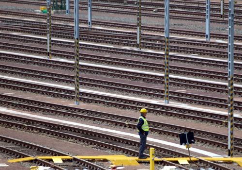 Arbeiter auf Gleisanlage, über dts Nachrichtenagentur