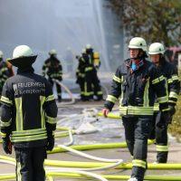 2020-08-10_Kempten_Ursulasried_Band_Halle_lackiererei_Feuerwehr_Poeppel_IMG_9452