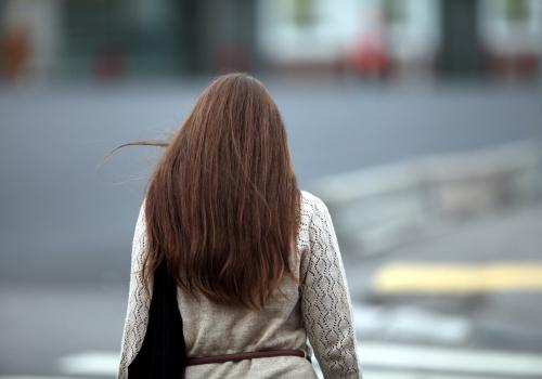 Frau mit braunem Haar, über dts Nachrichtenagentur