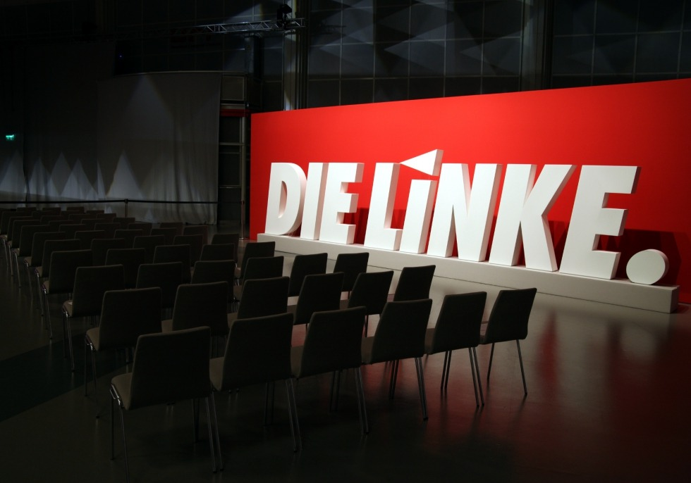 Linkspartei-Logo auf Parteitag, über dts Nachrichtenagentur
