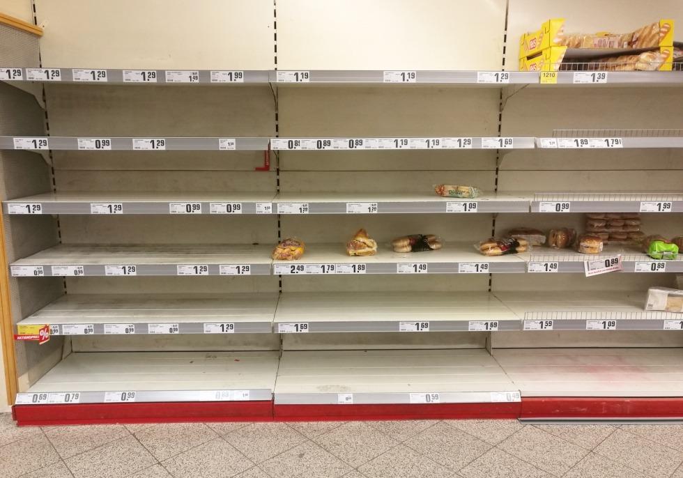 Fast ausverkauftes Brot im Supermarkt, über dts Nachrichtenagentur